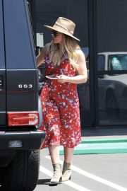 Pregnant Hilary Duff Out in Los Angeles 2018/06/09 6