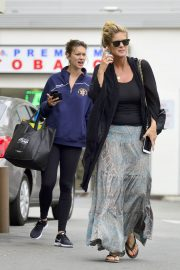 Rachel Hunter and Renee Hunter Out for Lunch in Los Angeles 2018/05/30 2