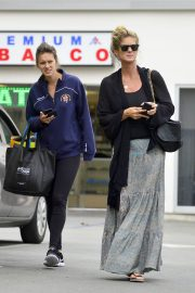 Rachel Hunter and Renee Hunter Out for Lunch in Los Angeles 2018/05/30 5