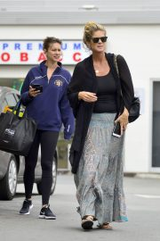 Rachel Hunter and Renee Hunter Out for Lunch in Los Angeles 2018/05/30 12