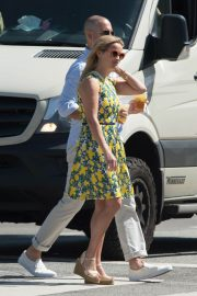 Reese Witherspoon Out for Lunch in Beverly Hills 2018/06/10 4
