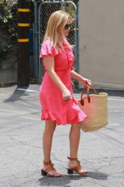 Reese Witherspoon Out in Brentwood 2018/06/21 2