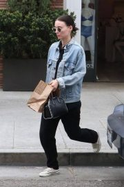 Rooney Mara Out for Lunch at Cafe Gratitude in Beverly Hills 2018/05/30 7