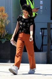 Sarah Hyland on the Set of The Wedding Year in West Hollywood 2018/05/31 1