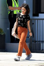 Sarah Hyland on the Set of The Wedding Year in West Hollywood 2018/05/31 5