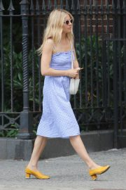 Sienna Miller Out and About in New York 2018/06/08 10