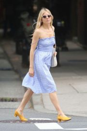 Sienna Miller Out and About in New York 2018/06/08 13