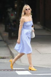Sienna Miller Out and About in New York 2018/06/08 14