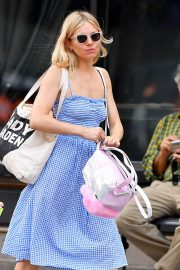 Sienna Miller Out and About in New York 2018/06/08 17