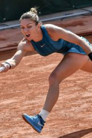 Simona Halep at 2018 french open tennis tournament 2018/06/02 1