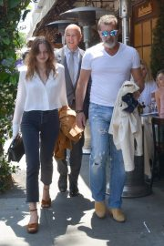 Stella Banderas Out for Lunch with Her Father Antonio in Beverly Hills 2018/06/06 1