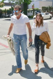 Stella Banderas Out for Lunch with Her Father Antonio in Beverly Hills 2018/06/06 3
