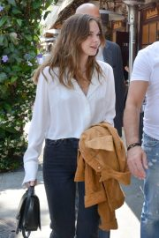 Stella Banderas Out for Lunch with Her Father Antonio in Beverly Hills 2018/06/06 4