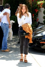 Stella Banderas Out for Lunch with Her Father Antonio in Beverly Hills 2018/06/06 12
