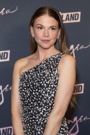 Sutton Foster at Younger Premiere in New York 2018/06/04 12