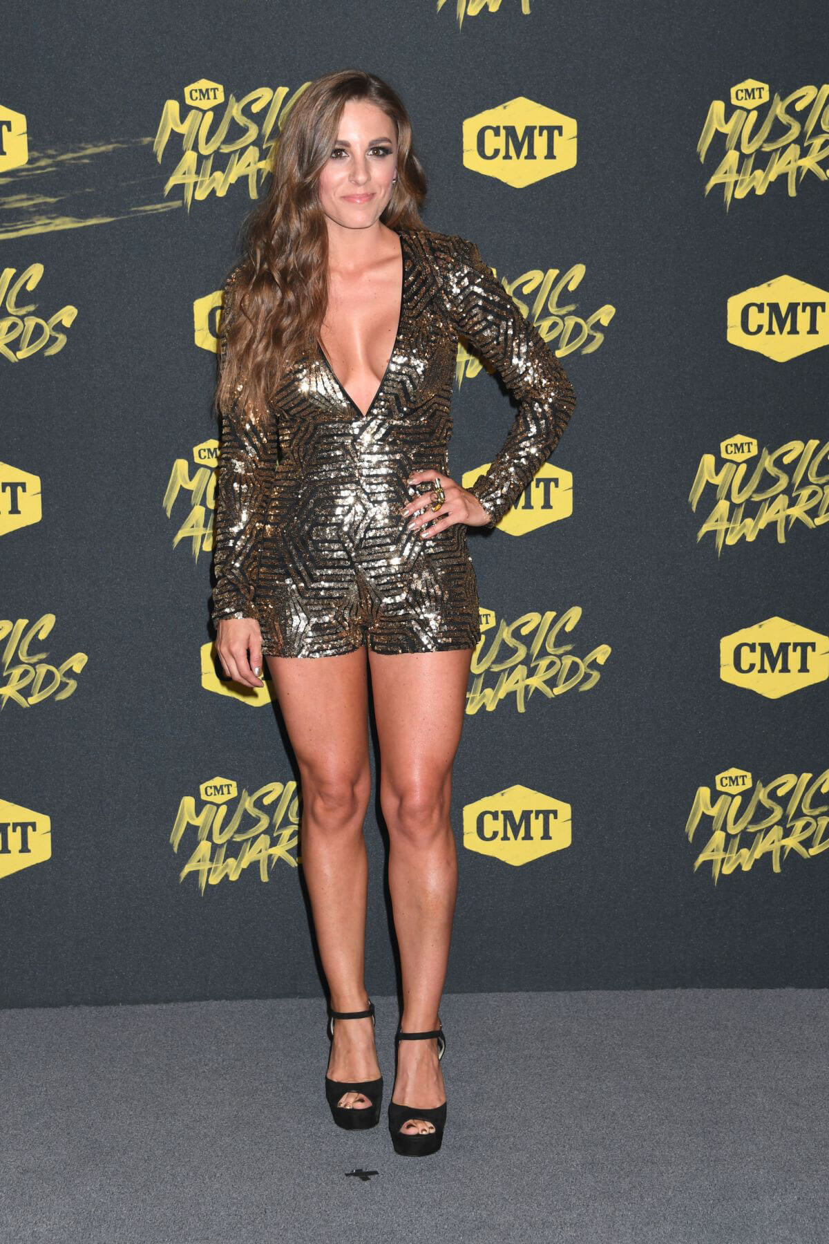 Tara Thompson at CMT Music Awards 2018 in Nashville 2018/06/06 3