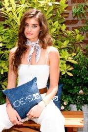 Taylor Hill at Taylor Hill x Joe's Jeans Brunch in New York 2018/06/06 2