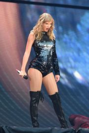 Taylor Swift at Her Reputation Tour at Etihad Stadium in Manchester 2018/06/08 3
