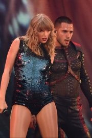 Taylor Swift at Her Reputation Tour at Etihad Stadium in Manchester 2018/06/08 5