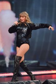 Taylor Swift at Her Reputation Tour at Etihad Stadium in Manchester 2018/06/08 10