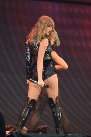 Taylor Swift at Her Reputation Tour at Etihad Stadium in Manchester 2018/06/08 11