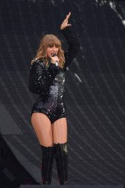 Taylor Swift at Her Reputation Tour at Etihad Stadium in Manchester 2018/06/08 15