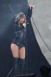 Taylor Swift at Her Reputation Tour at Etihad Stadium in Manchester 2018/06/08 18
