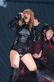 Taylor Swift at Her Reputation Tour at Etihad Stadium in Manchester 2018/06/08 21