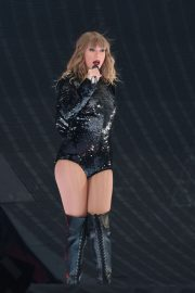 Taylor Swift at Her Reputation Tour at Etihad Stadium in Manchester 2018/06/08 23