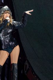 Taylor Swift Performs at Reputation Tour in Chicago 2018/06/01 3