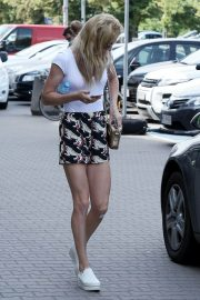 Urszula Radwanska Out and About in Warsaw 2018/06/12 2