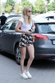 Urszula Radwanska Out and About in Warsaw 2018/06/12 5