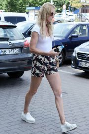 Urszula Radwanska Out and About in Warsaw 2018/06/12 12