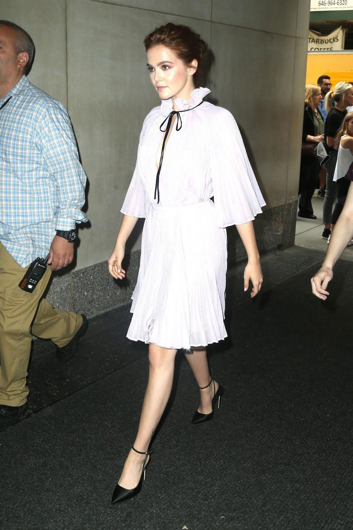 Zoey Deutch at Today Show in New York 2018/06/13 1