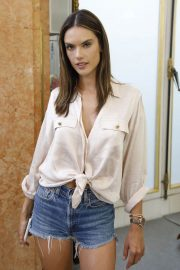 Alessandra Ambrosio on the Backstage of Zuhair Murad Fashion Show in Paris 2018/07/04 13