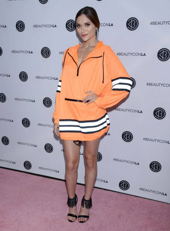 Alyson Stoner at Beautycon Festival in Los Angeles 2018/07/14 1