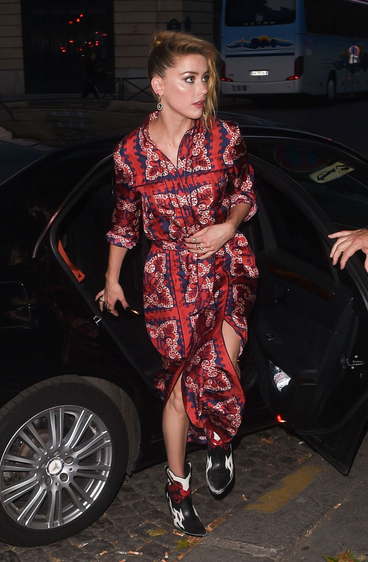 Amber Heard Out for Dinner in Paris 2018/07/04 1