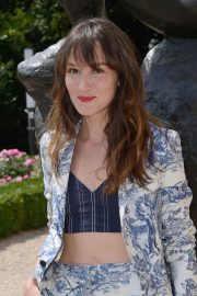 Anais Demoustier at Dior Fall/Winter 2018/2019 Haute Couture Show in Paris 2018/07/02 1