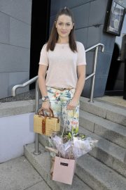 Anna Passey Arrives Jennifer Metcalfes Baby Christening in Liverpool 2018/05/20 3