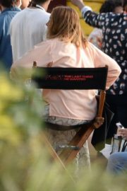Anne Hathaway on the Set of The Last Thing He Wanted in Puerto Rico 2018/07/06 7