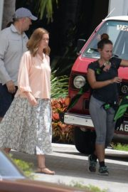Anne Hathaway on the Set of The Last Thing He Wanted in San Juan 2018/07/02 7