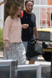 Anne Hathaway on the Set of The Last Thing He Wanted in San Juan 2018/07/02 8