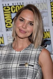Arielle Kebbel at Midnight Texas Photocall at Comic-con 2018 in San Diego 2018/07/21 9