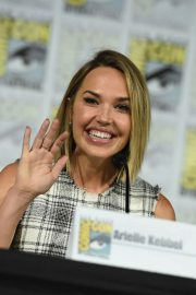 Arielle Kebbel at The Midnight Texas Panel at Comic-Con in San Diego 2018/07/21 3
