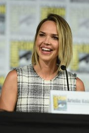 Arielle Kebbel at The Midnight Texas Panel at Comic-Con in San Diego 2018/07/21 7