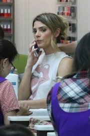Ashley Greene at a Nail Salon in Beverly Hills 2018/06/21 6