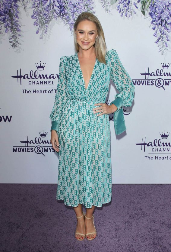 Becca Tobin at Hallmark Channel Summer TCA Party in Beverly Hills 2018/07/27 1