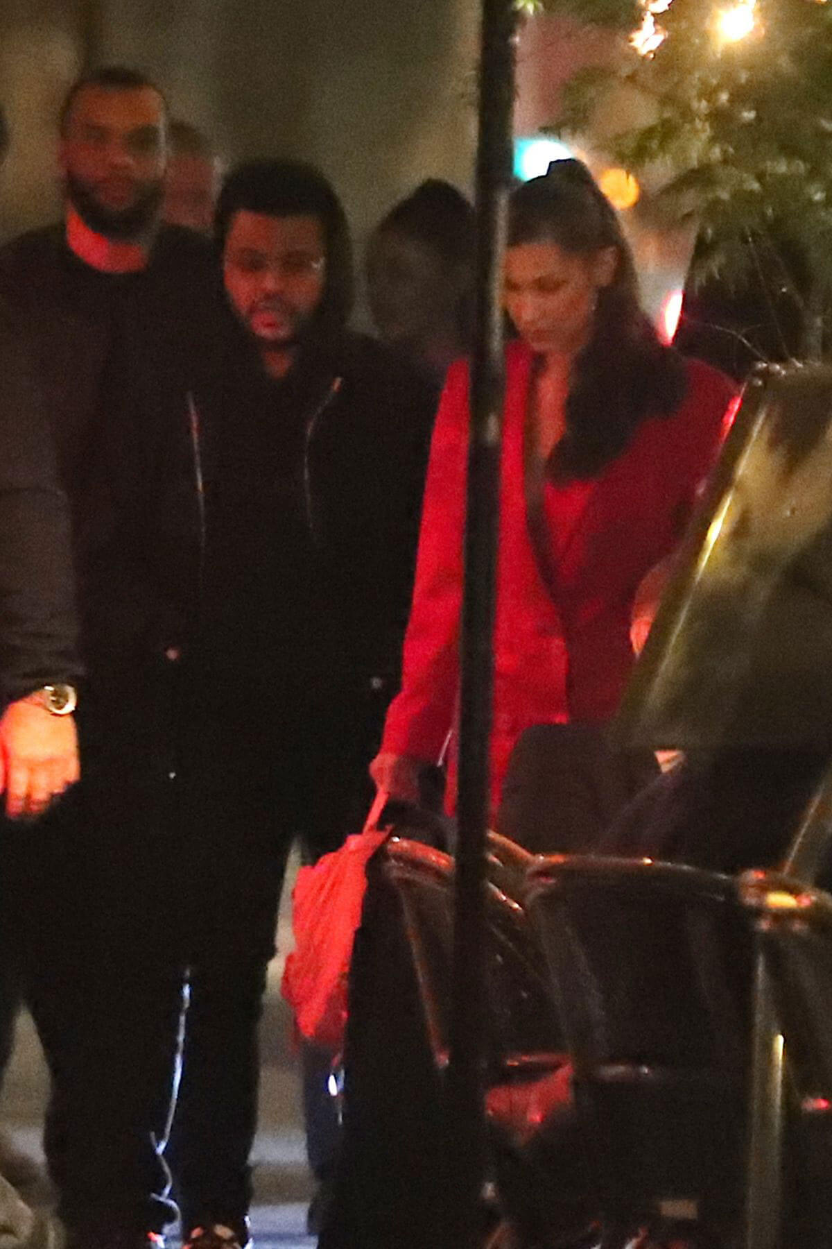 Bella Hadid And The Weeknd Out for Dinner in Paris 2018/05/31 1