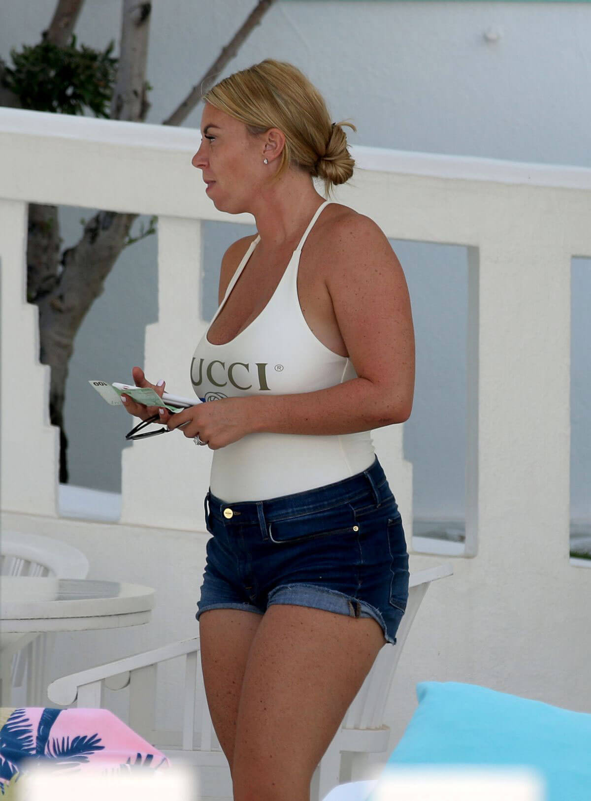 Billi Mucklow Out and About in Ibiza 2018/07/12 1