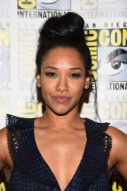 """Candice Patton at """"The Flash"""" Panel at Comic-Con in San Diego 2018/07/21 3"""